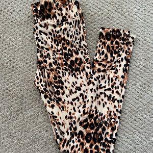 Lularoe leopard legging